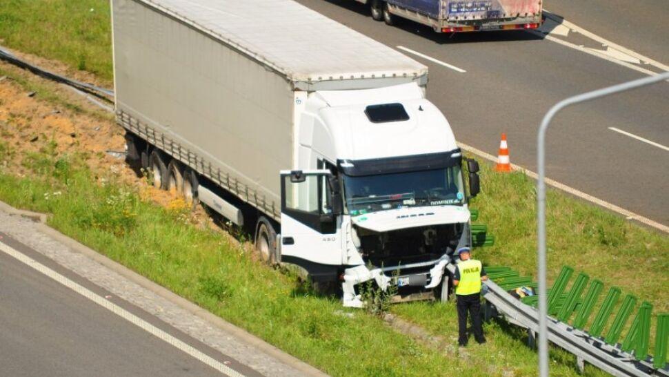 Tragedia na A1. Kierowca ciężarówki stracił panowanie nad pojazdem