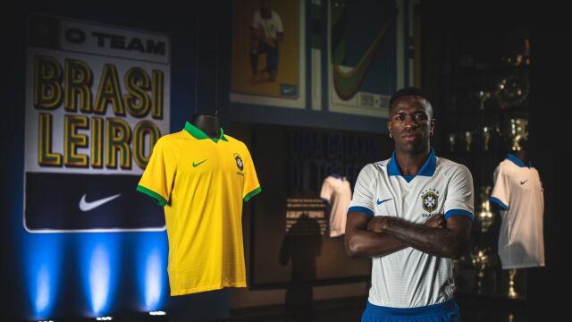 b4245ab9b Brazylijczycy wracają do klasycznych koszulek. Wcześniej nie pozwalał im na  to wstyd