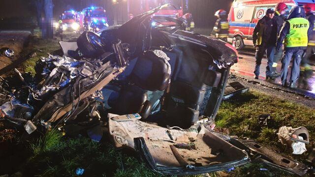 Tragiczny wypadek pod Bukiem. Zginęła kobieta, troje rannych