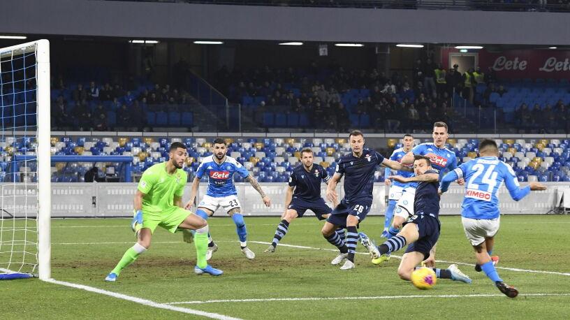 Asysta Zielińskiego w Pucharze Włoch. Napoli wyeliminowało obrońców trofeum