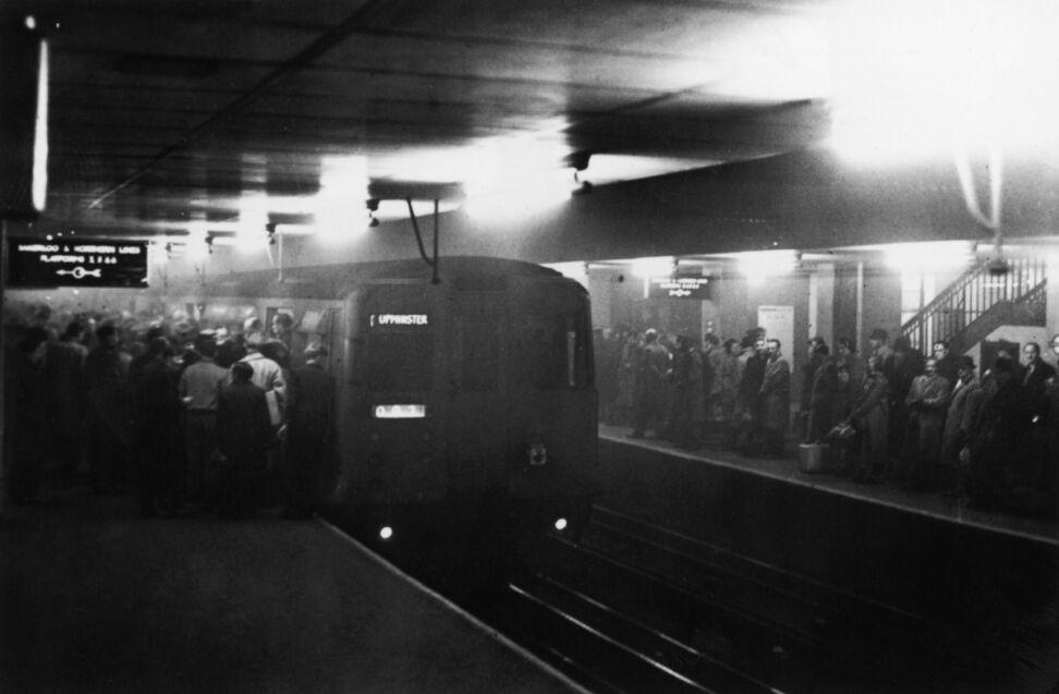 Ponieważ ruch autobusów był przez wiele godzin sparaliżowany, metro przeżywało oblężenie