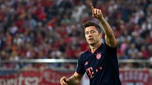 Lewandowski  z kolejnymi golami. Bayern bliski awansu