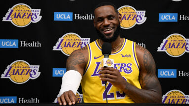 Oszałamiające zarobki gwiazd NBA. Liderem LeBron James