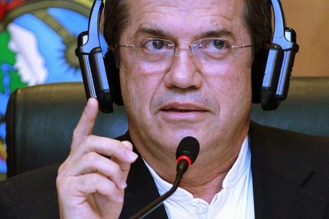 """Ekwador współpracuje z Rosją. Chce pomóc """"prześladowanemu"""" Snowdenowi"""