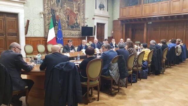 Włoscy nauczyciele grozili paraliżem szkół. Negocjowali całą noc, jest porozumienie