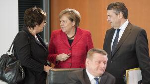 Ponad trzy miesiące bez rządu. Sondaż: spada poparcie dla partii Merkel i Schulza