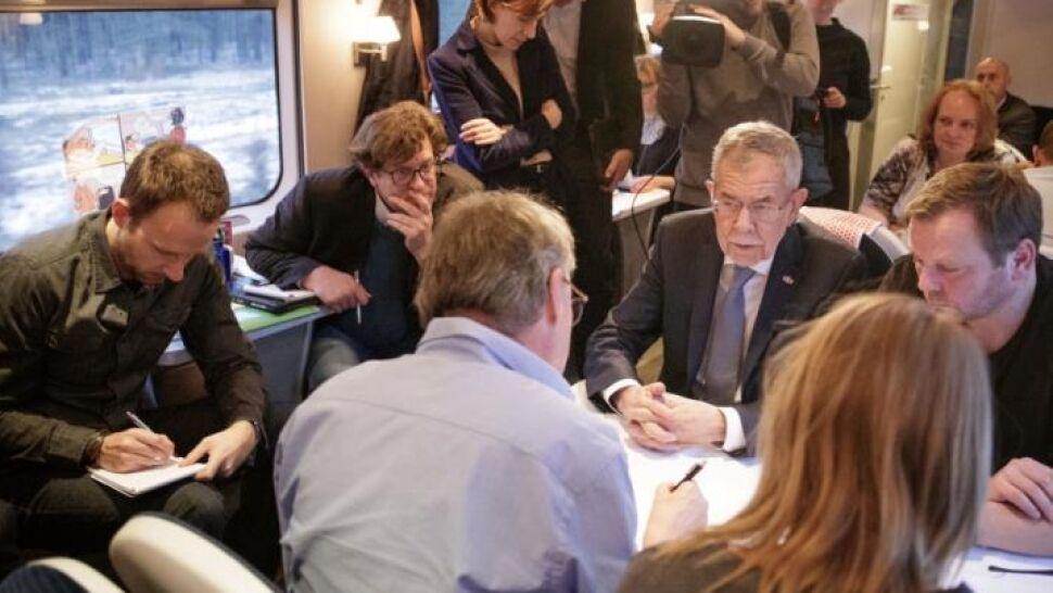 Prezydent przyjechał na szczyt w... warsie. PKP: nikt nas nie uprzedził, sami kupili bilety