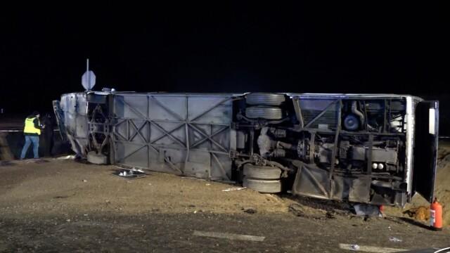 W wypadku autobusu zginęła kobieta, było wielu rannych. Śledczy oskarżają kierowcę