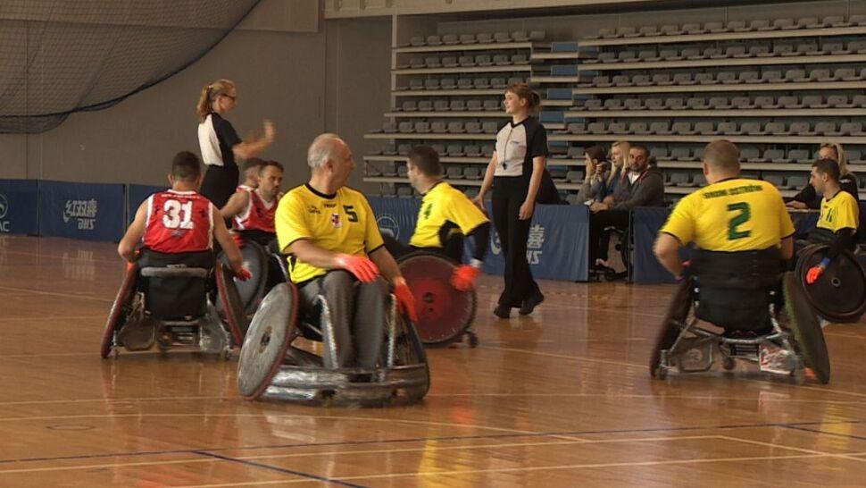 """Niepełnosprawni rywalizują w rugby na wózkach.  """"Nie poddali się losowi, trenują i grają. To wspaniałe"""""""