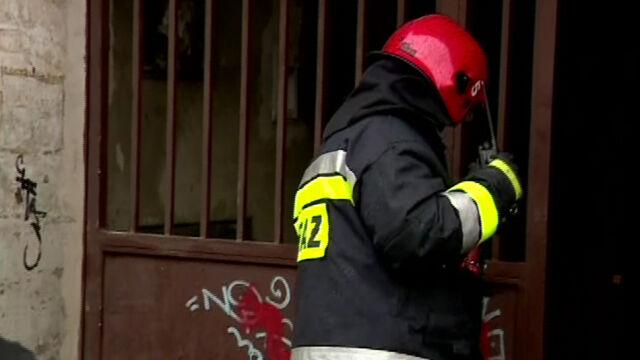 Pożar kamienicy w Łodzi. Jedna osoba nie żyje, pięcioro trafiło do szpitala