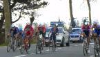Kolarz Alpecin-Fenix ledwo uratował się przed upadekiem podczas Driedaagse Brugge-De Panne