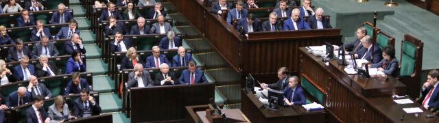 """Sejmowy komunikat: marszałek """"nie znała wyniku"""" głosowania. Terlecki: wypadło niezręcznie"""