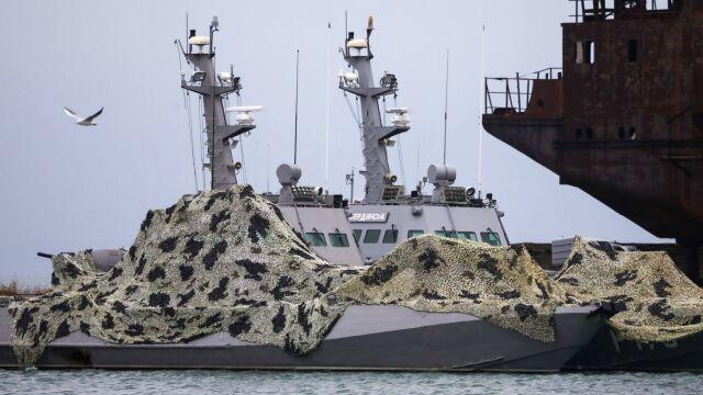 Rosja zwróciła okręty przejęte w Cieśninie Kerczeńskiej. Zatrzymała broń i dokumenty