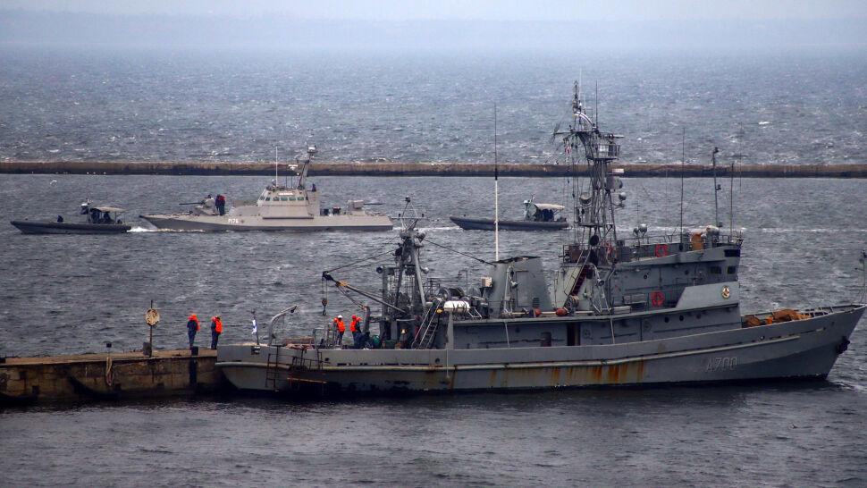 Rosja zwróciła okręty. Kijów: pozdejmowali klosze, gniazdka elektryczne i sedesy