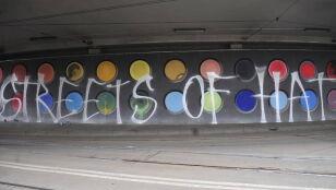 Zniszczył mural, wpadł podczas dewastowania przystanku