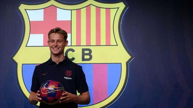 """""""Od teraz mój idol będzie kolegą z drużyny"""". Barcelona zaprezentowała holenderski talent"""
