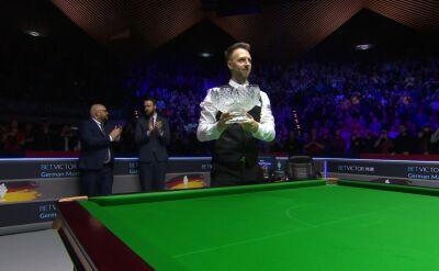 Judd Trump z trofeum za wygraną w German Masters