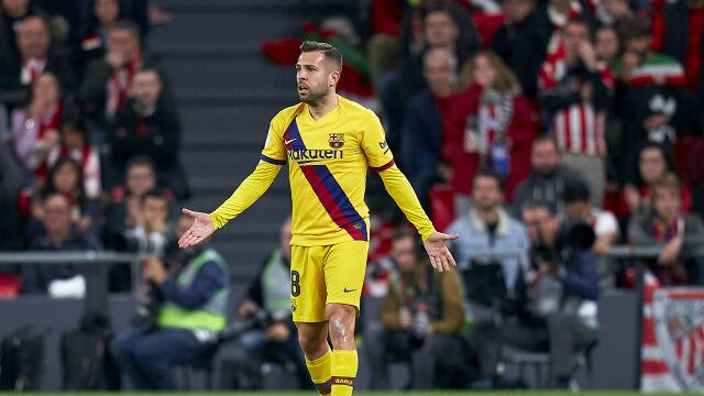 """Atmosfera w Barcelonie gęstnieje. """"Nie powinniśmy ciskać w siebie g****m"""""""