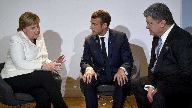 Moskwa odpowiada na zarzuty Merkel i Macrona.