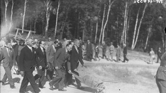 Szukają pamiątek związanych z sypaniem kopca Piłsudskiego