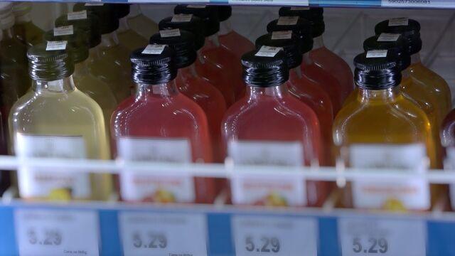 Małe butelki alkoholu są w Polsce hitem sprzedaży