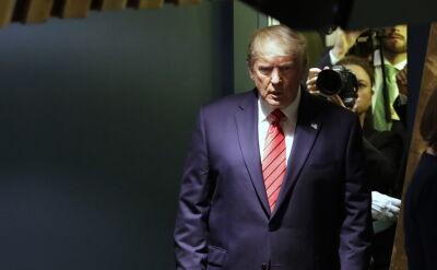 Wedle amerykańskich mediów Donald Trump miał wywierać naciski na prezydenta Ukrainy Wołodymyra Zełeńskiego