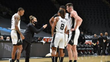 Historyczny mecz w NBA. Kobieta w roli głównego trenera