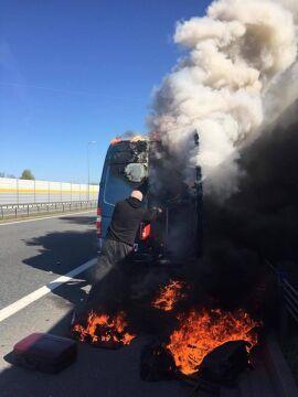 Pożar busa zespołu BOKKA