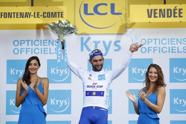 Kraksa faworyta, dobra jazda Majki, wygrana debiutanta. Tour de France zaskakuje od początku