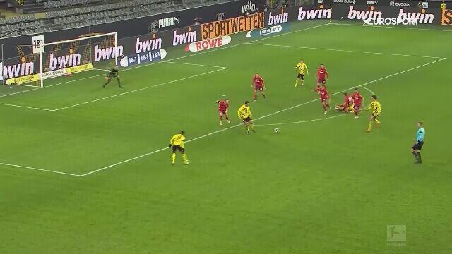 Pudło Erlinga Haalanda w meczu Borussia Dortmund - Kolonia