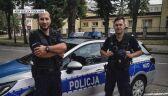 Policjanci włączyli sygnały dźwiękowe i świetlne. Jeden z nich wstrzymał ruch