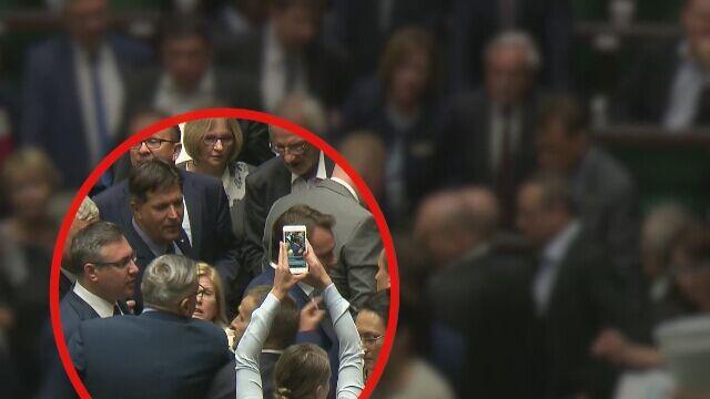 Kaczyński: nie wycierajcie mord nazwiskiem mojego brata, niszczyliście go, zamordowaliście