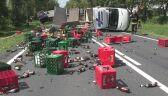 Z ciężarówki wypadły skrzynki z piwem
