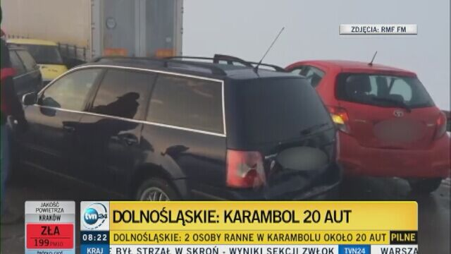 Karambol na Dolnym Śląsku. Policja: wstępna przyczyna śliska droga i mgła