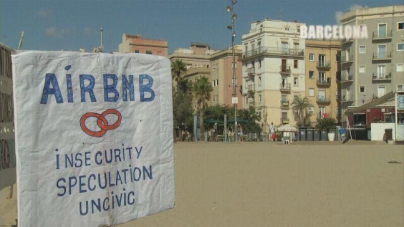 Mieszkanka Barcelony: przychodzą obcokrajowcy, a my musimy odejść