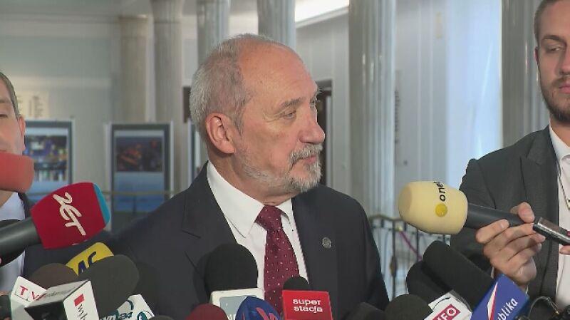 Macierewicz o Kraszewskim: przepisy dają na sprawdzenie czas rzędu roku