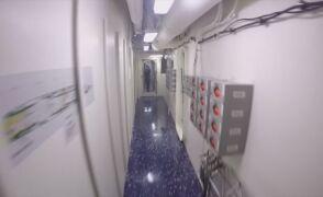 Spacer po wnętrzu największego okrętu świata