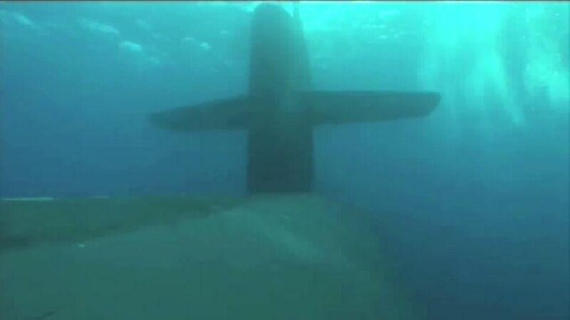 Ćwiczenia komandosów SEALs z atomowym okrętem podwodnym