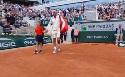 Kibice długo czekali na ten moment. Federer wrócił na korty Rolanda Garrosa
