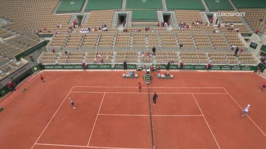 Skrót meczu Magda Linette - Asleigh Barty w 2. rundzie Roland Garros