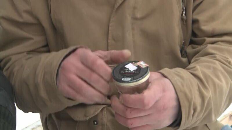 Władze Rosji walczą z podrabianym alkoholem obniżając cenę wódki
