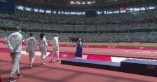 Tokio. Ceremonia dekoracji polskiej sztafety mieszanej 4x400 m