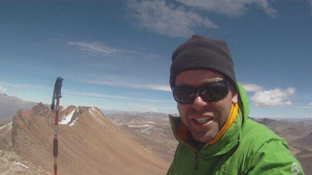Marcin Gienieczko na szczycie Nevado Mismi