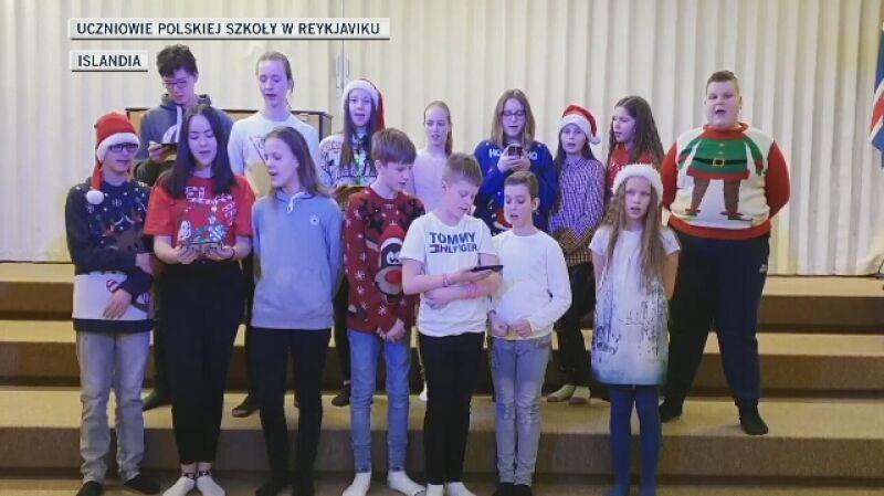 """Uczniowie polskiej szkoły w Reykjaviku śpiewają """"Cichą noc"""" po islandzku"""