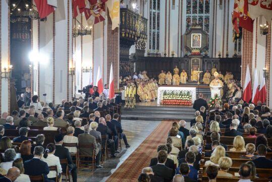 06.08.2015 | Msza św. odprawiana w intencji Ojczyzny i inaugurującego służbę prezydenta Dudy
