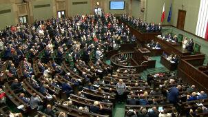 PiS na prowadzeniu, tylko cztery partie w Sejmie. Najnowszy sondaż