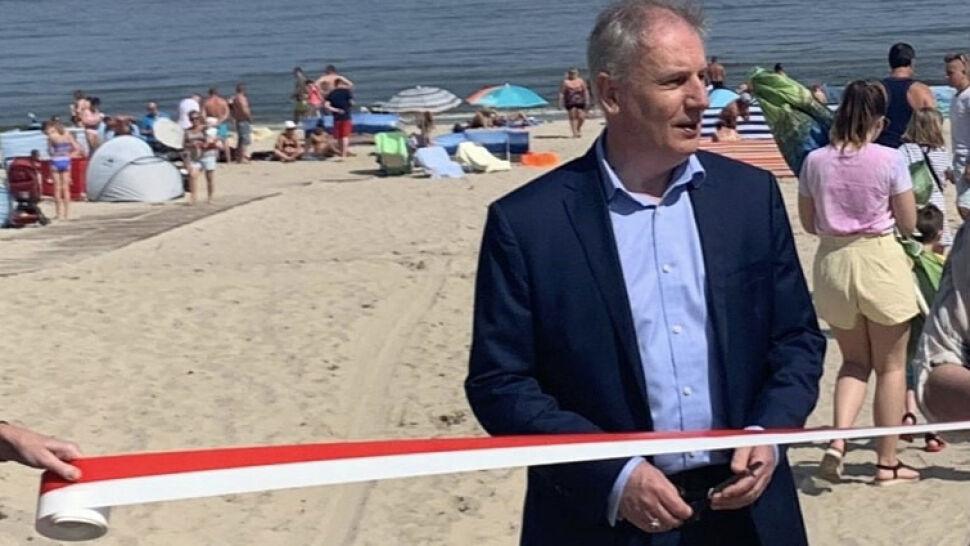 """Wojewoda otworzył zejście na plażę. """"Inwestycja była poważna"""""""