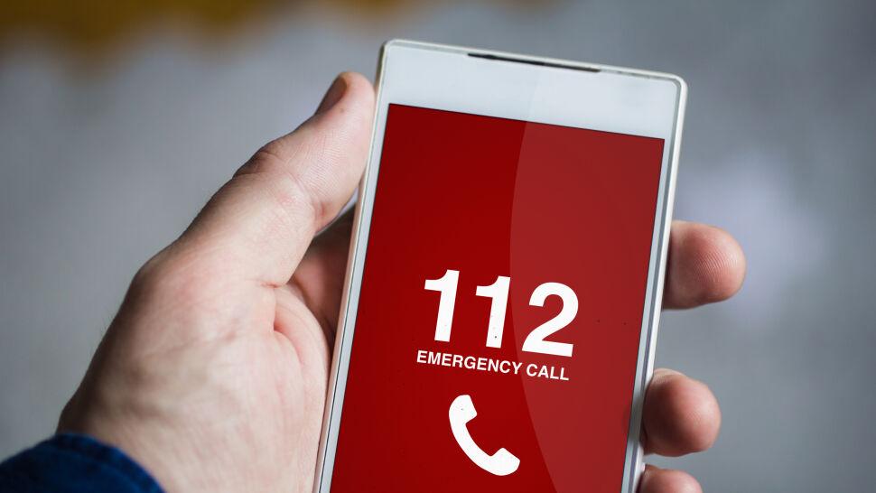 """Prawie połowa telefonów na linię 112 jest nieuzasadniona. """"Ludzie pytają nas o numer do pizzerii"""""""