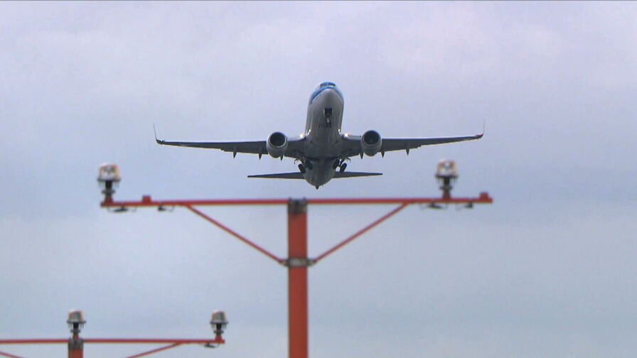 Koronawirus uderza w branżę lotniczą. Znaczący spadek liczby pasażerów