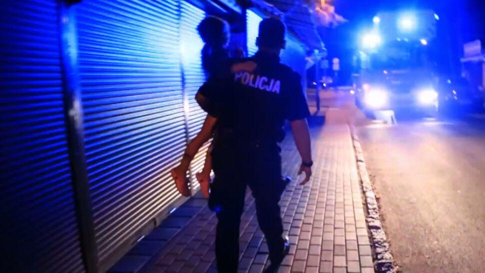 Policjant jak człowiek-pająk. Ryzykując życie uratował 5-latkę